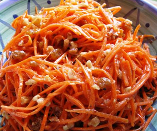 Морковный салат с орехами кешью