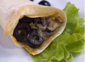 Грибной салат с блинчиками