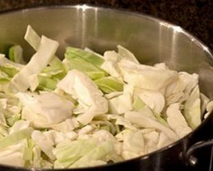 Как приготовить тушеную капусту