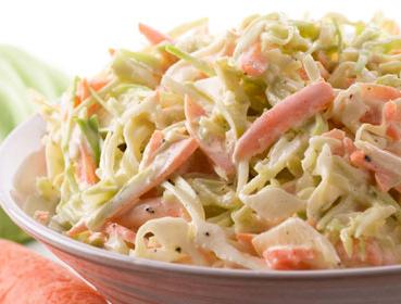 Витаминный салат из капусты.