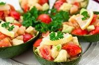 Салат из авокадо, семги и помидора