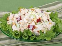 Салат с мясом, овощами и сыром