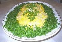 Вкусный салат с рыбной консервой